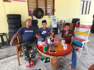 These lads waved me in to their tyre repair shop and provided snacks and coffee. Bless you gentlemen!