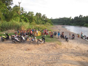 The scene at the river campsite. Travelling through Sumatra is not for the agrophobic, that is for sure.
